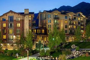 jackson hole ski in and out  hotel